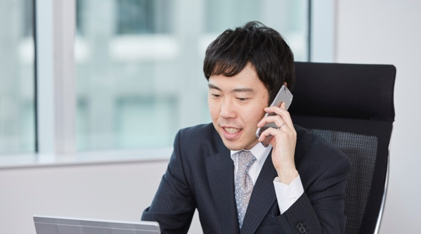 酒井大輔弁護士の写真